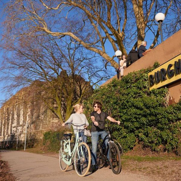 Galerie Burghof | Restaurant & Biergarten in Düsseldorf - Immer einen Ausflug wert
